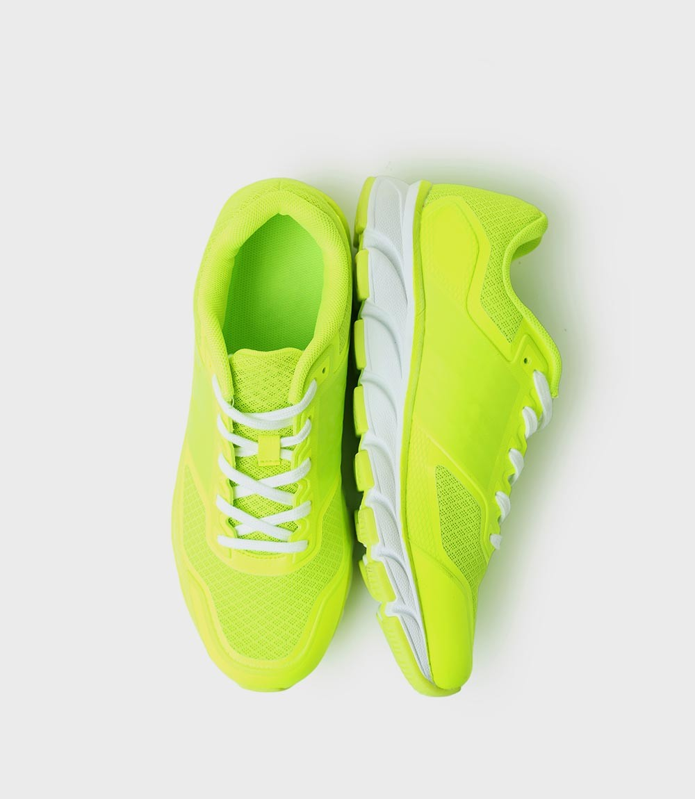 Nice looking sport shoes for girls